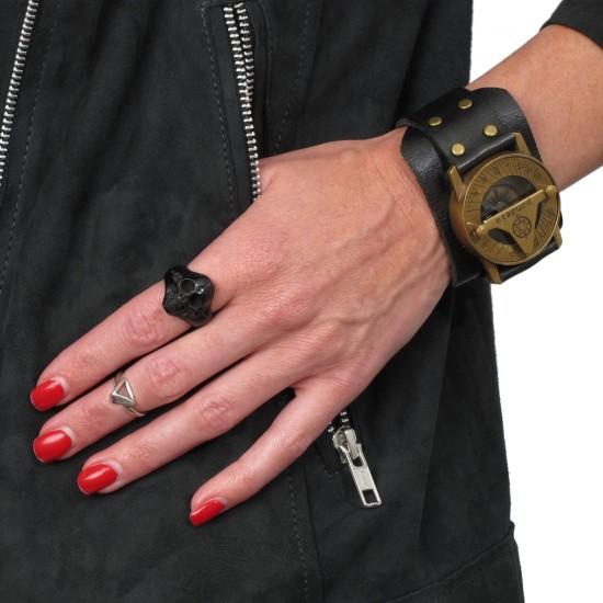 BLACK HORN ROCK SKULL RING